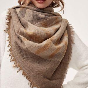 Aritzia Wool Blanket Carmen Scarf